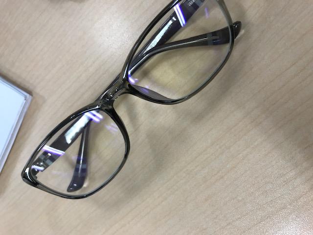 メガネの付け替え